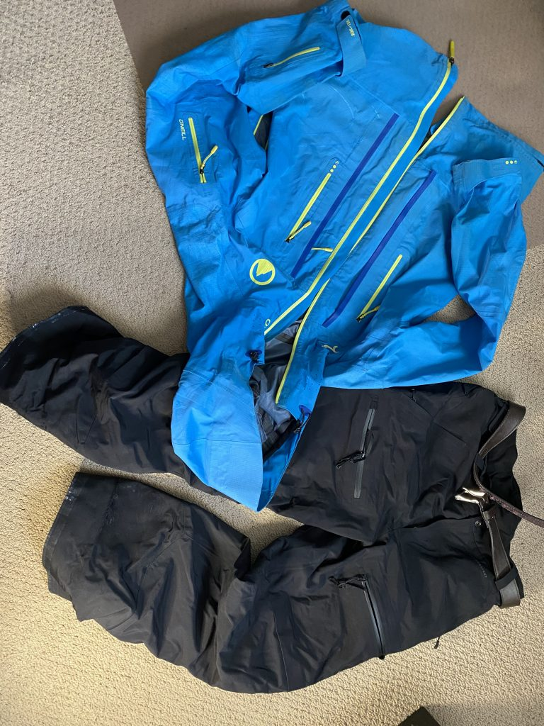 Wat to wear skiing - Waterproof Outerwear